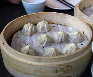 Thumbnail image for Din Tai Fung Dumpling House, South Coast Plaza {restaurant} – XLB DTF SCP OMG